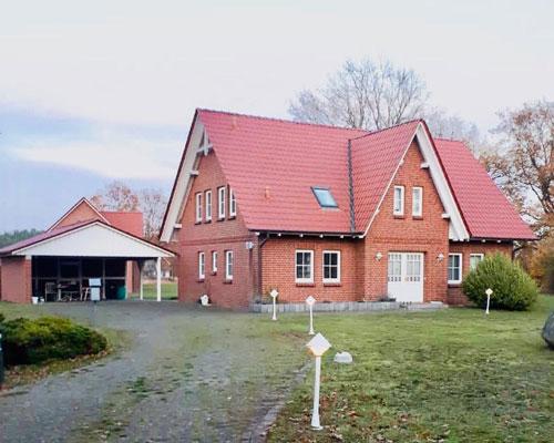 Friesenhaus mit Nebengebäude in Haar - Amt Neuhaus