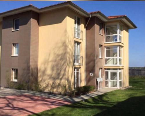 Hochwertiges Penthouse-Wohnung mit Loggia am Adendorfer Golfplatz - Außenansicht